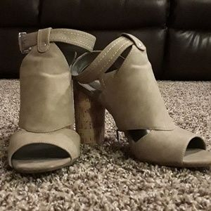 Tan guess high heels